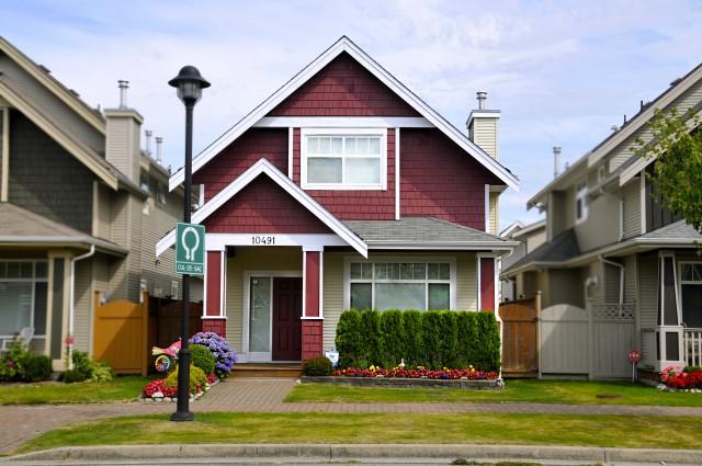 Дома в Ванкувере – Надежность, Тепло и Уют